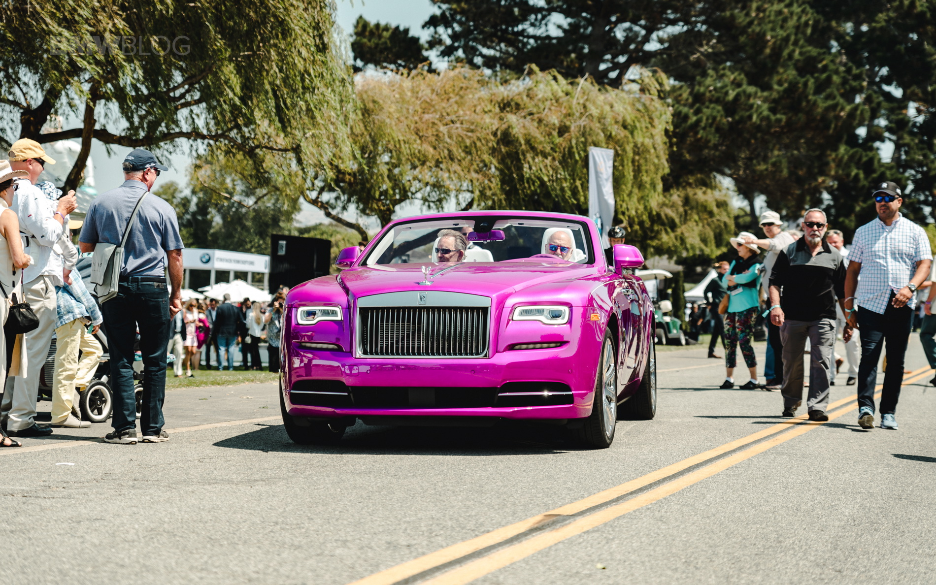 "Rolls Royce ""Dawn in Fuxia"" 33"